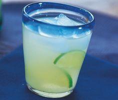 Barley water är en törstsläckande alkoholfri dryck med härliga smaker från citron, socker och korngryn. Drycken är lätt att förbereda och är uppfriskande god.