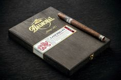 Balmoral Añejo XO Lancero FT on Packaging of the World - Creative Package Design Gallery Cuban Cigars, Cigars And Whiskey, Whisky, Cigarette Brands, Cigarette Box, Tobacco Pipe Smoking, Cigar Accessories, Pipes And Cigars, Work Tools