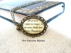 """BAUDELAIRE french quote poetry Fleurs du mal gift for poet - This artistic pendant - medallion is dedicated to the great french poet Charles Baudelaire. In this pendant two verses of the poem """"Paysage"""" (from """"Les Fleurs du Mal""""):  """"Il est doux, à travers les brumes, de voir naître l'étoile dans l'azur"""" """"It is sweet, across the mist, to see the birth of the star in the blue sky"""""""