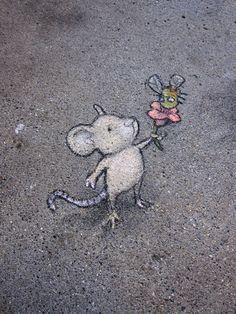Sunday Artisan Market, Ann Arbor, Michigan (September - street art by David Zinn Murals Street Art, 3d Street Art, Amazing Street Art, Street Art Graffiti, Street Artists, Berlin Graffiti, Graffiti Artists, David Zinn, Chalk Artist