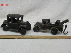 VINTAGE LOT SET CAST IRON TOY CARS TRUCK ANTIQUE AUTOS WRECKER MODEL A COOL !!!!!!  ON AUCTION THIS WEEK!!!!!!