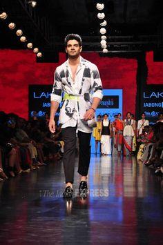 Sooraj Pancholi at Lakme Fashion Week Winter/Festive Lakme Fashion Week, Men's Fashion, Suraj Pancholi, Love U So Much, Guy Style, Ranbir Kapoor, Bollywood Actors, Shahrukh Khan, Celebs