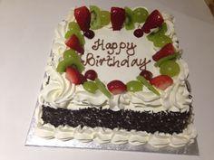 EGG-FREE CAKE WITH FRESH CREAM Egg Free Cakes, Fresh Cream, Party Supplies, Desserts, Food, Tailgate Desserts, Deserts, Essen, Postres