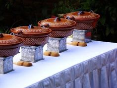 Ideas for a Mexican style wedding - Trend Today : Your source for the latest trends, exclusives & Inspirations Fiesta Theme Party, Festa Party, Mexican Buffet, Mexican Dishes, Mexican Party Decorations, Table Decorations, Mexican Themed Weddings, Mexican Birthday, 30th Birthday