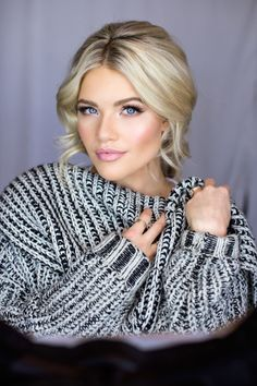 witney-carson-makeup-bridals - wedding hair simple - Brautjungfern make-up Wedding Makeup Tips, Natural Wedding Makeup, Bridal Hair And Makeup, Wedding Hair And Makeup, Wedding Beauty, Bridal Makeup For Blondes, Natural Makeup, Winter Wedding Makeup, Waterfall Hairstyle