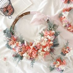 Wedding Wreaths, Wedding Bouquets, Different Forms Of Art, Flower Crown, Dried Flowers, Art Forms, Resin, Dream Wedding, Floral Wreath