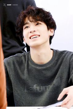Image uploaded by Hannah Rose. Find images and videos about Seventeen, svt and wonwoo on We Heart It - the app to get lost in what you love. Woozi, Jeonghan, Seventeen Wonwoo, Seventeen Debut, Seventeen Memes, Vernon, Day6 Sungjin, Hip Hop, Choi Hansol