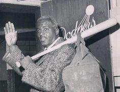 On this day in 1956 Jackie Robinson is traded to NY BASEBALL GIANTS he decides to retire rather than accept trade to cross town rivals Sports Stadium, Dodger Stadium, Fox Sports, Sports Baseball, Jackie Robinson Day, Dodgers Nation, Dodger Blue, Sports Illustrated, Celebrities