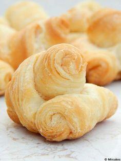 Pan cremona y cuernitos / Miicakes
