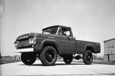 Pictures of Classic Ford Pickup Trucks: 1959 Ford F-250 Pickup Truck