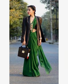 winter outfits blackgirl Winter outfits 2019 trendy cold outfits for teen girls . Winter Outfits For Teen Girls, Stylish Winter Outfits, Casual Outfits, Saree Wearing Styles, Saree Styles, Blouse Styles, Vintage Hipster, Indian Attire, Indian Wear