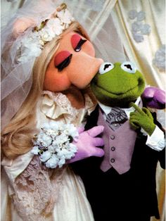 Miss Piggy and Kermit: Are They Married or Not? - The Bride's Guide : Martha Stewart Weddings