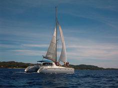 Catamaran | Roatan Honduras