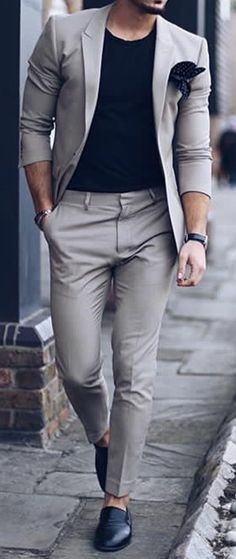 Classy street style looks for men. Classy street style looks for men. Classy Street Style, Classy Style, Trendy Style, Style Masculin, La Mode Masculine, Masculine Style, Herren Outfit, Mens Fashion Suits, Classy Mens Fashion