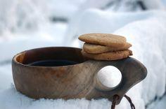piparkakkuja,kuksa, talvi,lumi, lämmin juoma.  Tuulenhuminaa-blogi/Petri Hautala