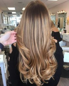 Long Wavy Ash-Brown Balayage - 20 Light Brown Hair Color Ideas for Your New Look - The Trending Hairstyle Blonde Hair With Highlights, Brown Blonde Hair, Light Brown Hair, Brunette Hair, Wavy Hair, Dyed Hair, Ombre Hair Color, Hair Color Balayage, Cool Hair Color