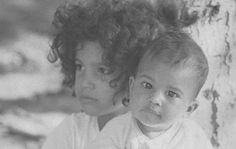 Young Slash with his baby brother, Albion Hudson Guns N Roses, Hard Rock, Axl Rose Slash, Saul Hudson, Myles Kennedy, Paradise City, Childhood Photos, Welcome To The Jungle, Rock Posters