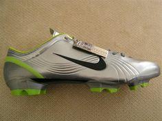 Nike homenajea a Ronaldo y relanza los Mercurial IX con los que fue goleador en Japón – Corea 2002