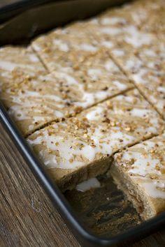 It's not Weihnachten until you've had Lebkuchen!!!!!! Almost here !! Vorweihnachtliche Gefühle: Lebkuchen-Blondies mit Karamell
