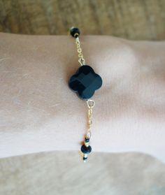 Bracelet or gold filled pendentif trèfle ony noir