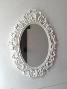 Pink oval princess mirror ornate vintage framed mirror in for Miroir princesse
