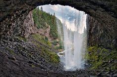 Tamanawas Falls, Mt. Hood National Forest, Oregon, USA. Waterfall photo by Victor von Salza.
