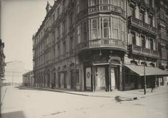 VIVIENDAS DEMOLIDAS 1880-1902. CALLE URIA. OVIEDO Street View, Vintage, Portable House, Haunted Places, Places To Visit, Oviedo, Houses, Antique Photos, Architects