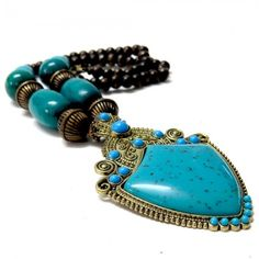 Chunky Beaded Turquoise Pendant Necklace