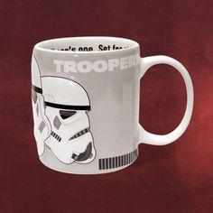Für Fans der galaktischen Star Wars Reihe genau das passende Geschenk und das perfekte Trinkgefäß beim Genießen von Star Wars: Keramiktasse mit 300 ml Fassungsvermögen und umlaufend gedrucktem Motiv. Die Oberfläche ist reliefartig im...