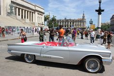 Kuba steigert Touristenzahlen auch 2013 von Falk Werner · http://reisefm.de/tourismus/kuba-steigert-touristenzahlen-auch-2013/ · Kuba verzeichnet in der Hochsaison 2013/14 ein starkes Plus an Touristen. Es seien rund 8 Prozent mehr Urlauber nach Kuba gekommen.