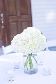 Ideas For Wedding Centerpieces White Hydrangea Receptions Rustic Wedding Decorations, Simple Wedding Centerpieces, Wedding Flower Arrangements, Hydrangea Wedding Bouquets, Floral Arrangement, White Hydrangea Centerpieces, White Centerpiece, Centerpiece Ideas, White Hydrangeas