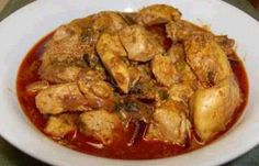 CHICKEN CURRY  http://www.srilankans.com.au/sri-lankan-recipes/meat/typical-chicken-curry