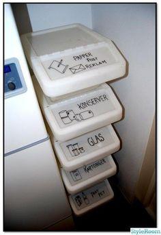 IKEA Sortera stackable bins with lids to sort recycling! IKEA Sortera stackable bins with lids to sort recycling! Pantry Interior, Interior Design Kitchen, Home Organisation, Kitchen Organization, Organization Ideas, Recycling Storage, Ikea Storage, Ikea Bins, Recycling Ideas