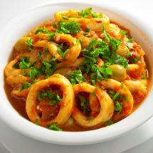 Pescado Salmon, Fish Chowder, Spanish Cuisine, Best Dishes, Fish Recipes, Recipies, Bon Appetit, Yummy Treats, Entrees