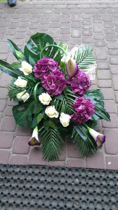 Funeral, Floral Arrangements, Diy And Crafts, Floral Wreath, Wreaths, Handmade, Flower Arrangements, Cemetery, Plants