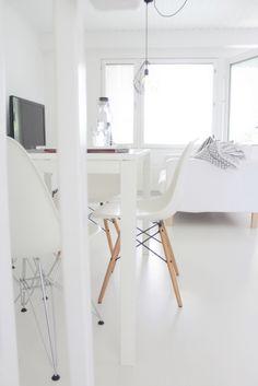 Vitra | Eames | white interior