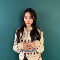 #Lovelyz #Jisoo #Jiddu #SeoJisoo #SeoJiddu #photo #picture #러블리즈 #지수 #지뚜 #서지수 #서지뚜 #포터 #사진 South Korean Girls, Korean Girl Groups, Multimedia, Seo Jisoo, Chinese Zodiac Signs, Woollim Entertainment, Ji Soo, First Girl, Twitter