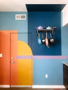 11 Creative Color-Blocked Accent Wall Ideas to Try Best Paint Colors, Wall Colors, House Colors, Colours, Wall Design, House Design, Design Design, Creative Colour, Creative Ideas