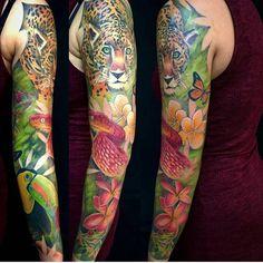 http://bit.ly/1P1M1Ev by realtattooink: Alucinante manga hecha por @mostodeagosto #tattoo #colourful #loveink