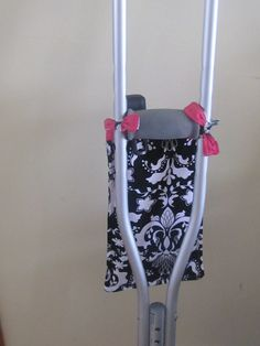 Crutch Purse - If I'm ever on crutches . . . I will so need one of these! #design #creative #crutches
