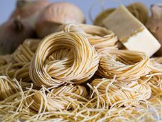 #20161025 #PASTA & #NOODLE Recipes Around The #WORLD ~ Sink your teeth into pasta and noodle dishes from around the world with international recipes for udon, rice noodles, couscous and all your Italian favorites. http://www.whats4eats.com/pastas