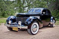 1936 Cord 810 - Image 1 of 25 Cord Automobile, Automobile Companies, Classic Motors, Classic Cars, Auburn Car, Cord Car, Limousine, Us Cars, Vintage Trucks