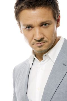 BLAM!  There goes another ovary..my Jeremy Renner you are oh so sexy.