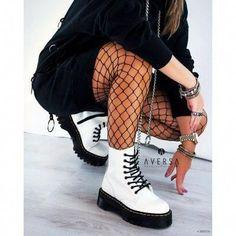 Martens Jadon White Polished Smooth – Fashion World Style Outfits, Grunge Outfits, Grunge Fashion, Look Fashion, Fashion Outfits, Shoes Style, Dr Martens Outfit, Dr Martens Style, Doc Martens Fashion