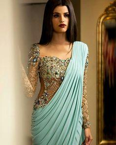 indian fashion Anarkali -- Click visit link above for more info Pakistani Dresses, Indian Dresses, Indian Outfits, Indian Sarees, Tamil Saree, Indian Clothes, India Fashion, Asian Fashion, Look Fashion