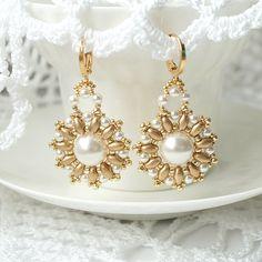 Perlen Ohrringe mit Swarovski Perlen Beadwoven von RitaLovelyBeads