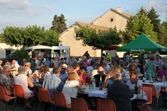 Specialiteit in de regio: marchés gourmands Dordogne, Welcome, Dolores Park, Blog, Outdoor Decor, Travel, Greedy People, Mother's Day, Viajes