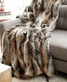Image of Donna Salyers' Fabulous Furs Faux Fur Throw - Lemur