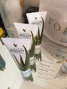 It's a must have this season! In fact all year round absolutely no fluoride also brilliant results ,and you'll be shocked to see your brighter whiter selfie in a matter of a few snaps I love this product 🙌🏻 Aloe Lips, Forever Business, Forever Aloe, White Smile, Forever Living Products, Biodegradable Products, Tooth Paste, Bright, Selfie