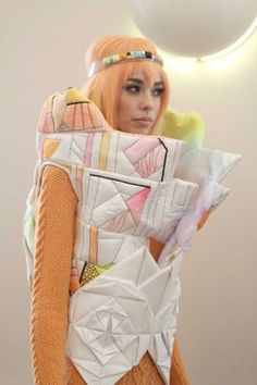 Pastels & Geometry sculptural fashion - Fred Butler